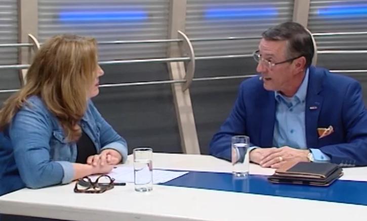TV-interview van voorzitter Veghel HartSave met Skyline TV Veghel/Uden (mei 2015)